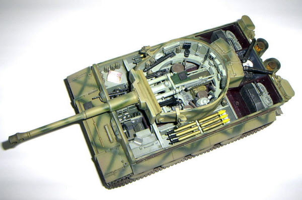 Construction review tiger i early production with interior for Interior auf deutsch